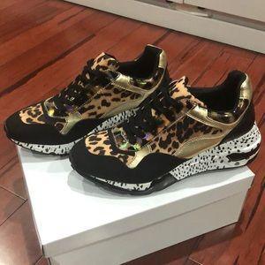 Steve Madden women's Leopard Sneakers size 10